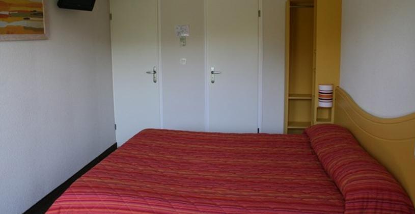 hotel somain fasthotel site officiel h tel pas cher proche de valenciennes. Black Bedroom Furniture Sets. Home Design Ideas